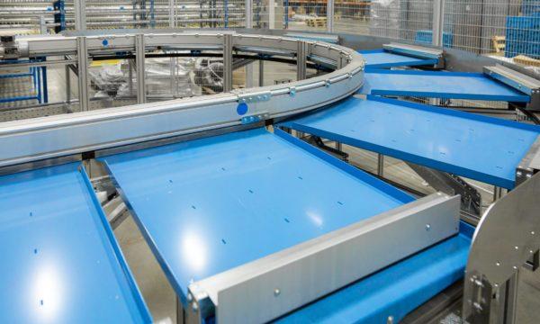 Vertical pallet conveyor - 11 - kapelou.com