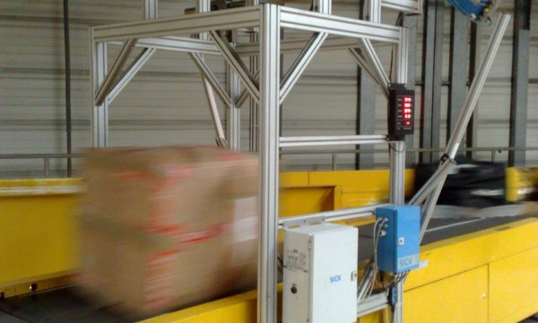 Vertical pallet conveyor - 10 - kapelou.com