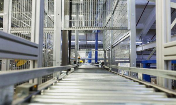 Vertical pallet conveyor - 8 - kapelou.com