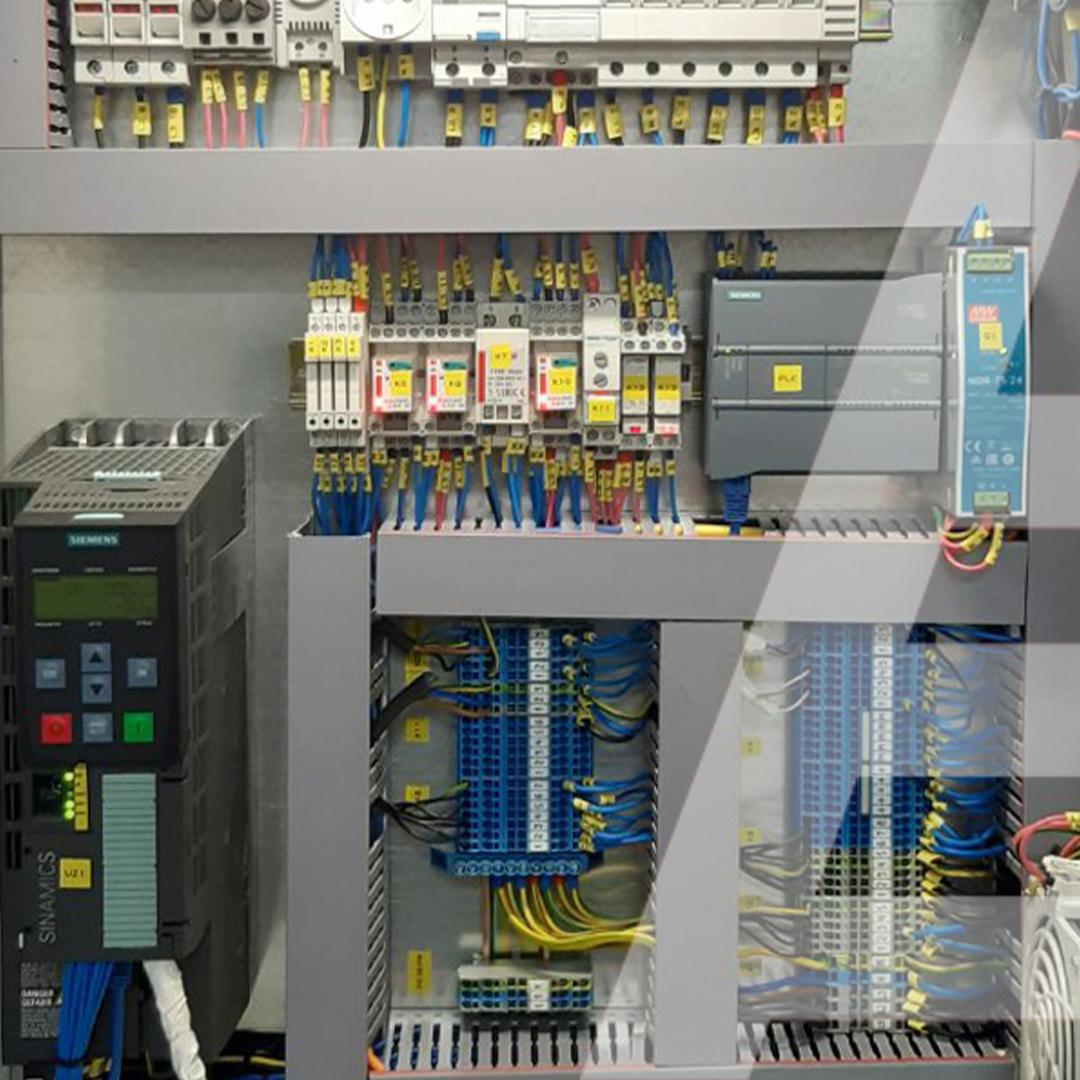 6 метров вертикального конвейера в ЦВЗ для перемещения 2000 коробок в час - 1 - kapelou.com