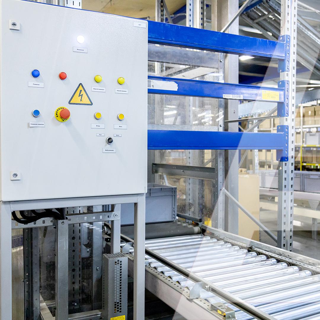 102 m of roller conveyor to automate the automotive distribution with 136,000 SKU - 2 - kapelou.com