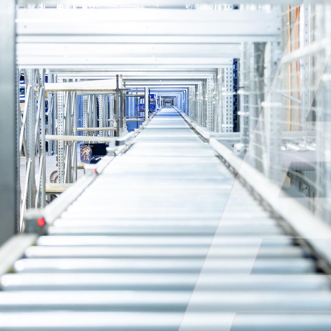102 m of roller conveyor to automate the automotive distribution with 136,000 SKU - 1 - kapelou.com