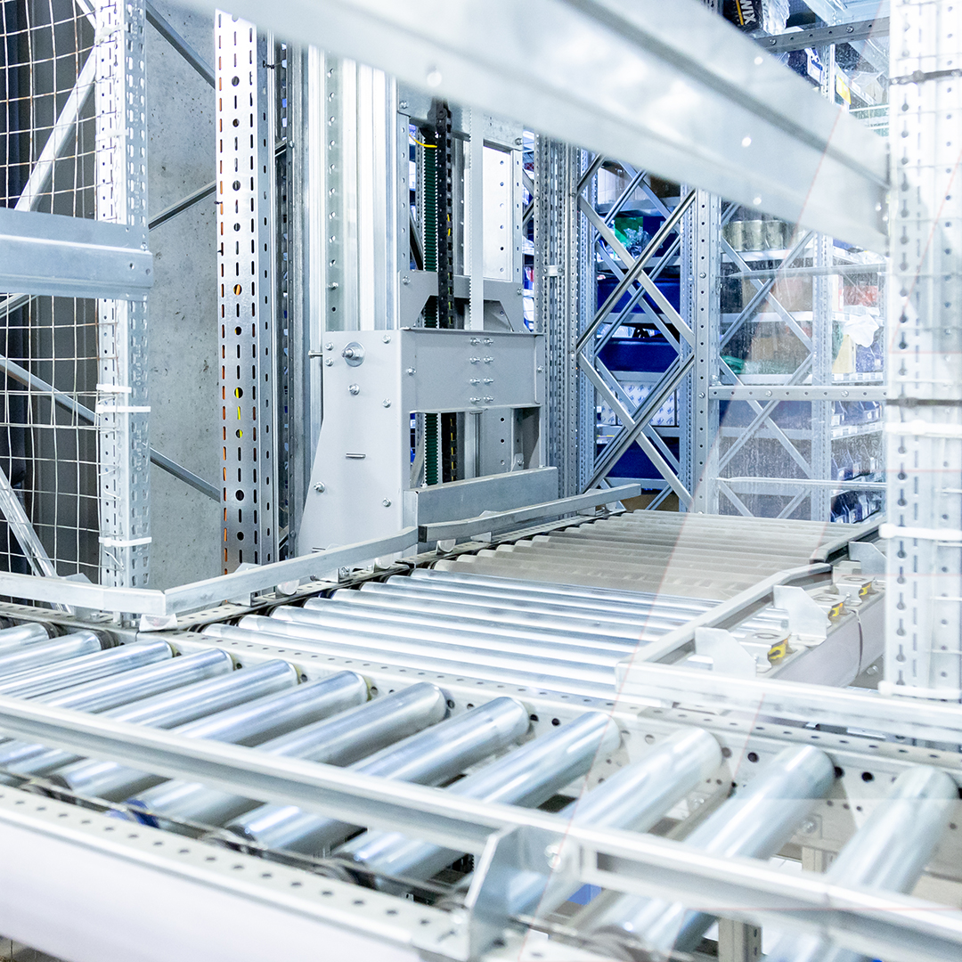 102 m of roller conveyor to automate the automotive distribution with 136,000 SKU - 0 - kapelou.com